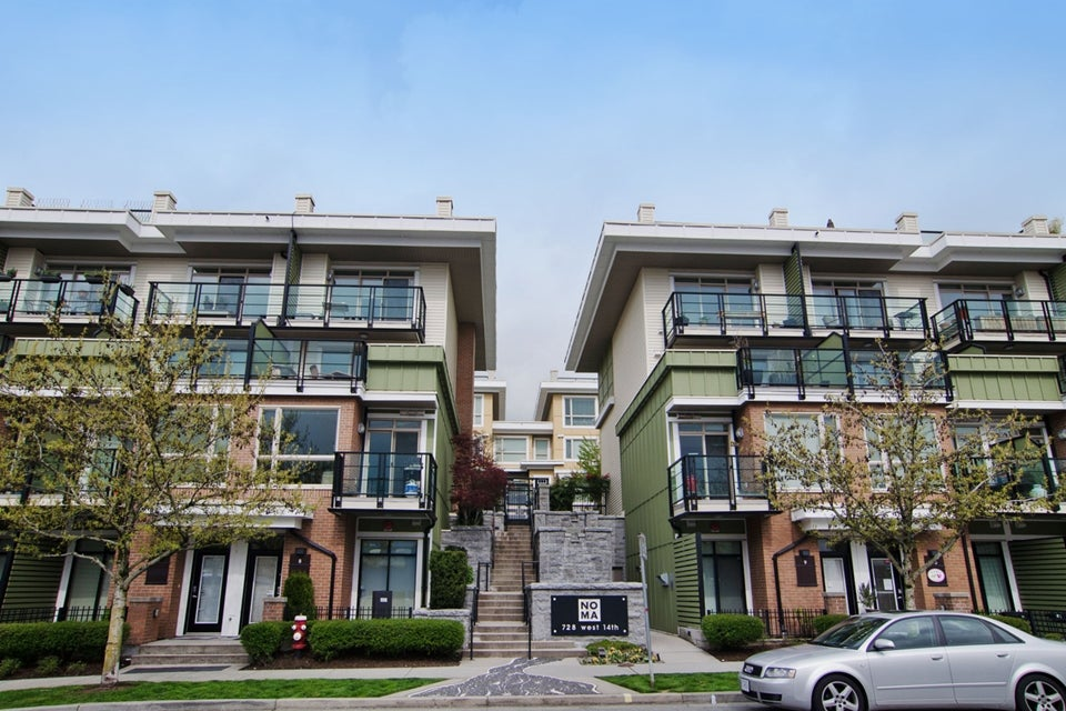 # 46 728 W 14TH ST - Hamilton Townhouse for sale, 3 Bedrooms (V1115284) #1
