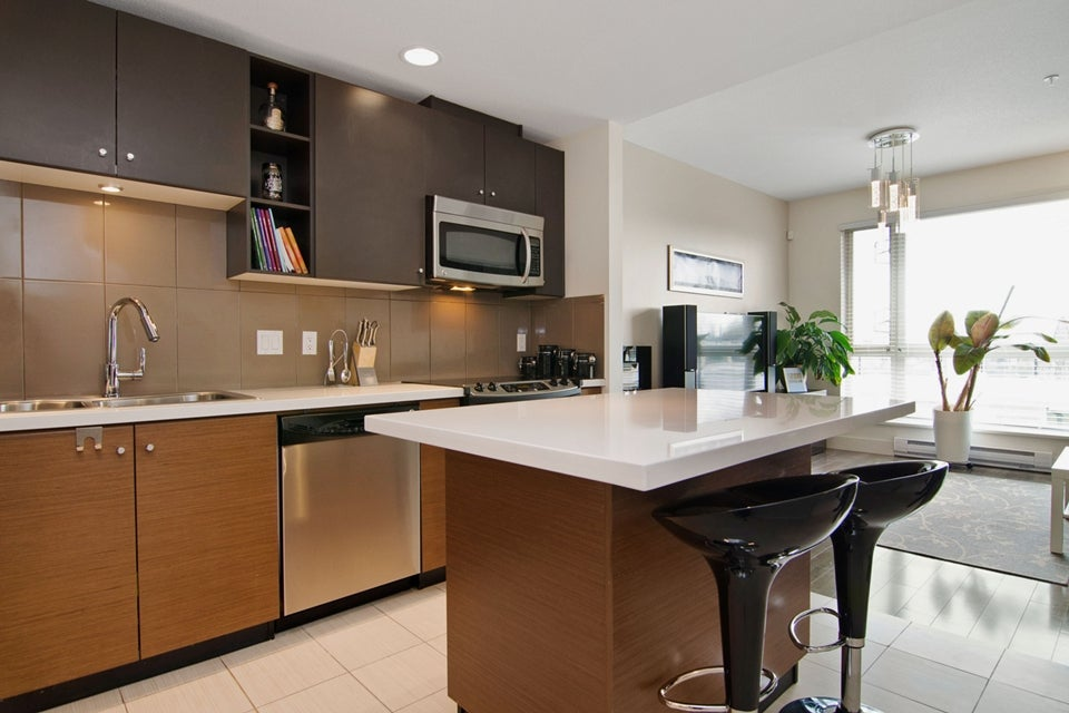 # 46 728 W 14TH ST - Hamilton Townhouse for sale, 3 Bedrooms (V1115284) #4