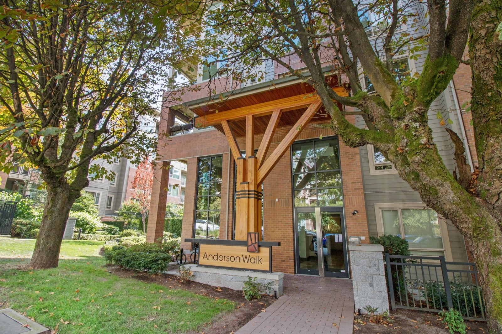 306 139 W 22ND STREET - Central Lonsdale Apartment/Condo for sale, 2 Bedrooms (R2201915) #2