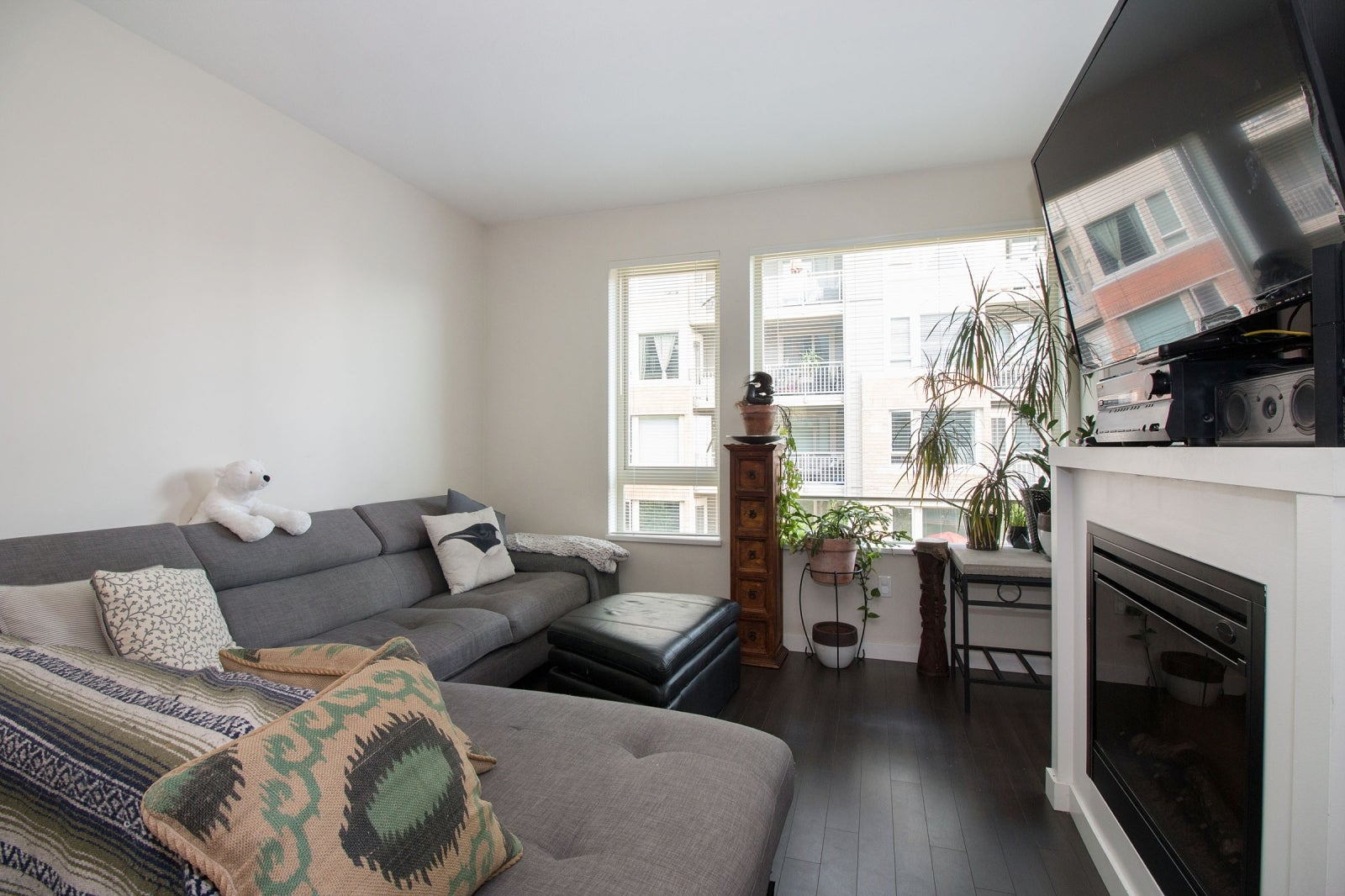 306 139 W 22ND STREET - Central Lonsdale Apartment/Condo for sale, 2 Bedrooms (R2201915) #4