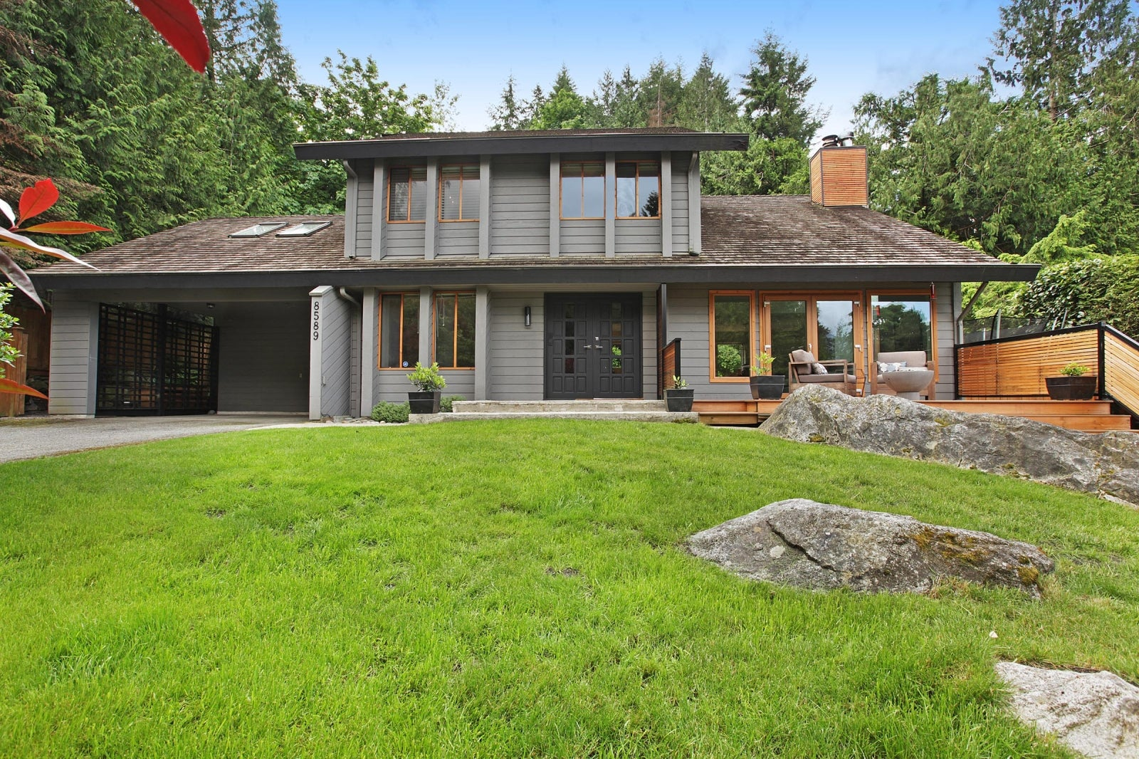 8589 BEDORA PLACE - Howe Sound House/Single Family for sale, 4 Bedrooms (R2177298) #1