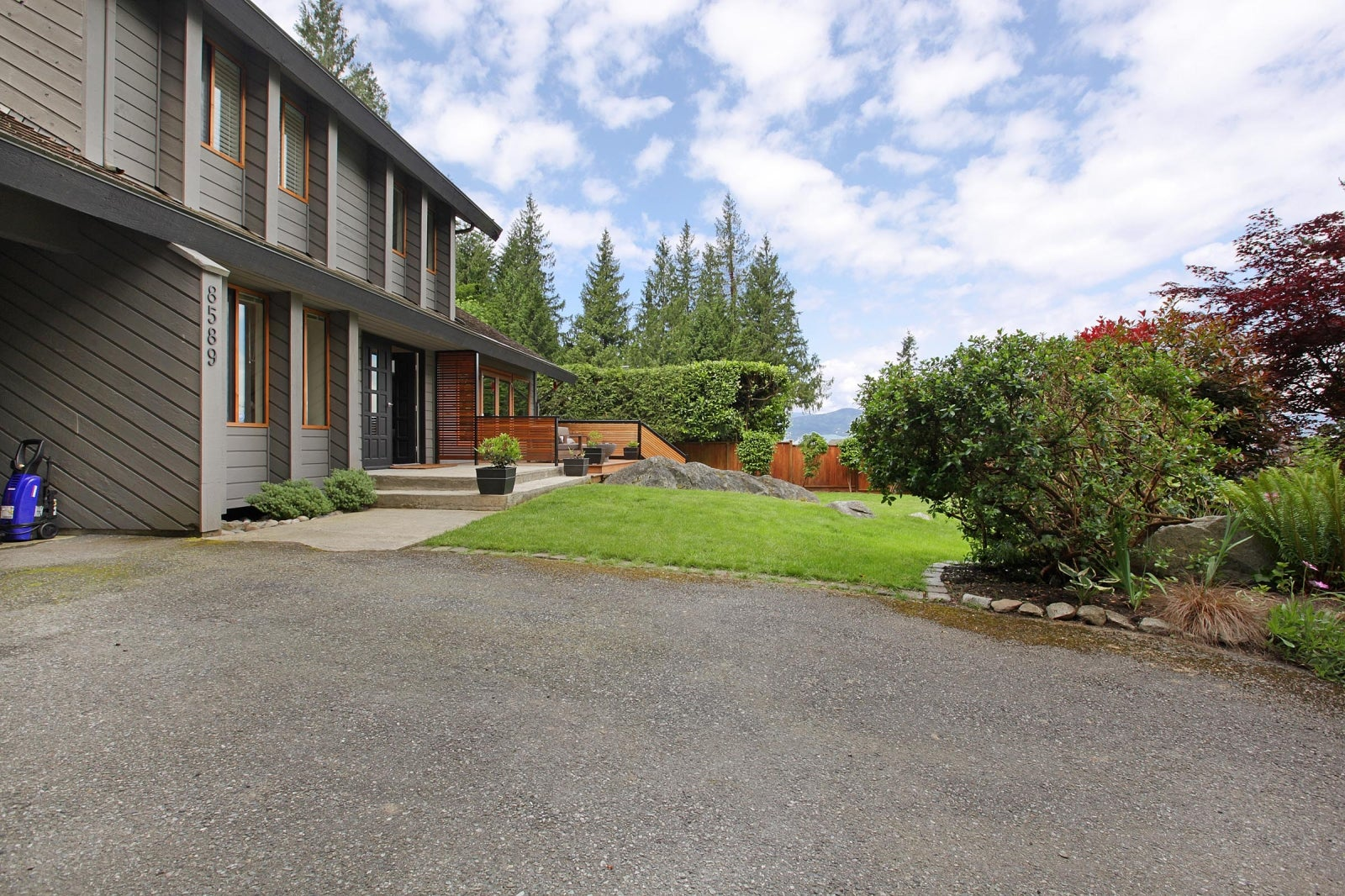8589 BEDORA PLACE - Howe Sound House/Single Family for sale, 4 Bedrooms (R2177298) #2