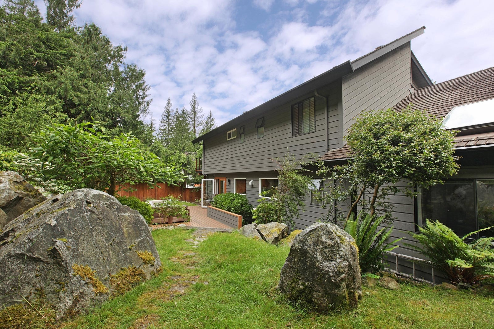 8589 BEDORA PLACE - Howe Sound House/Single Family for sale, 4 Bedrooms (R2177298) #22
