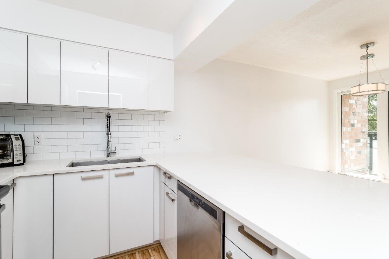 116 360 E 2ND STREET - Lower Lonsdale Apartment/Condo for sale, 2 Bedrooms (R2202247) #11