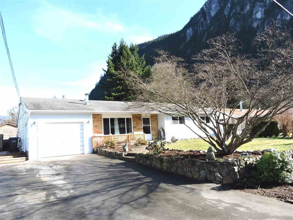 1007 ARBUTUS DRIVE - Valleycliffe House/Single Family for sale, 3 Bedrooms (R2032043) #1