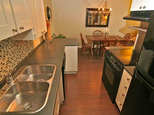 # 101 308 W 2ND ST - Lower Lonsdale Apartment/Condo for sale, 2 Bedrooms (V951981) #2