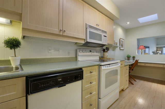 302 2412 HAYWOOD AVENUE - Dundarave Apartment/Condo for sale, 2 Bedrooms (R2179601) #8